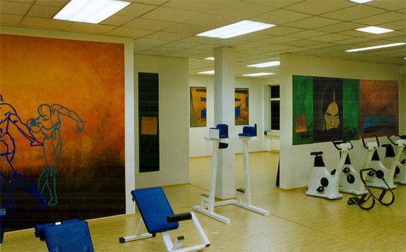 Fitnessraum wandgestaltung  Innenarchitektur - Innenraumgestaltung - Wandgestaltung / Fitness ...